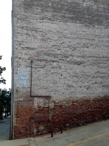 Nothing like an old wall for an architectural foto