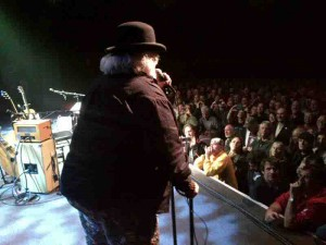 Wavy Gravy brings Tuna onstage at the Fillmore